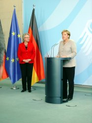 Federal Minister of Education Prof. Annette Schavan, German Chancellor Dr. Angela Merkel - Federal Chancellery