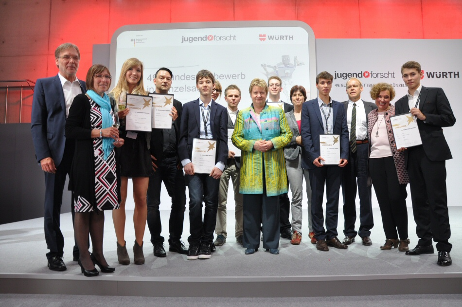 Our proud award winners with their parents and Minister for Schools NRW Sylvia Löhrmann